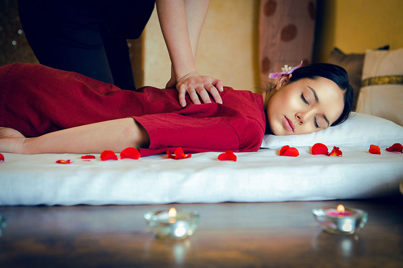 Traditional Thai Massage (Nuad Boran) + Foot Bath